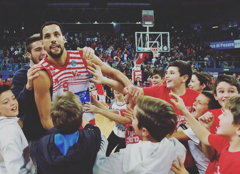 basket-austin-daye-pesaro-FB-VL-Pesaro.jpg