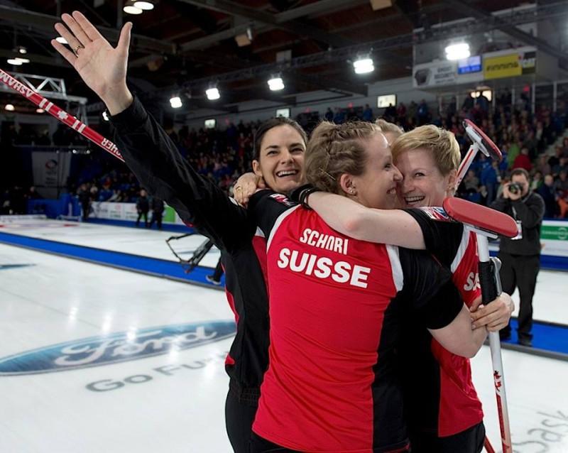 Curling-Svizzera-Binia-Feltscher-WCF2.jpg