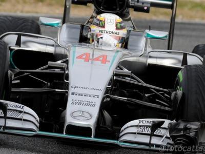 F1, GP Bahrain 2016, qualifiche: Mercedes davanti con Hamilton ma le Ferrari sono vicine