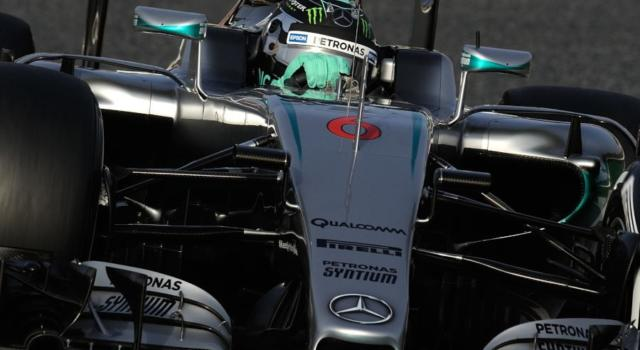F1, GP Russia 2016, qualifiche: Rosberg pole, Raikkonen 3° e Vettel 7° per penalità. Hamilton 10° ed altro problema
