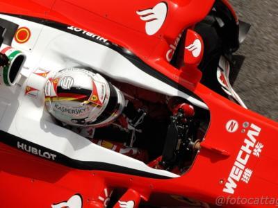 "F1, GP Bahrain 2016, Vettel: ""Macchina perfetta. La gara è lunga"". Raikkonen: ""Ci siamo"""