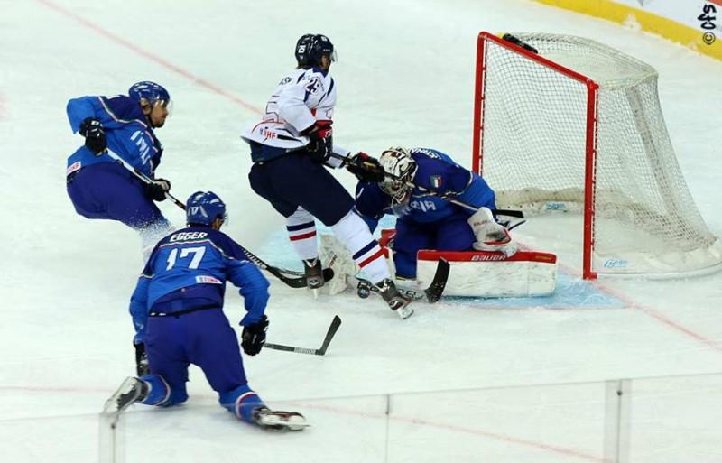 Andreas-Bernard-hockey-ghiaccio-Carola-Semino.jpg