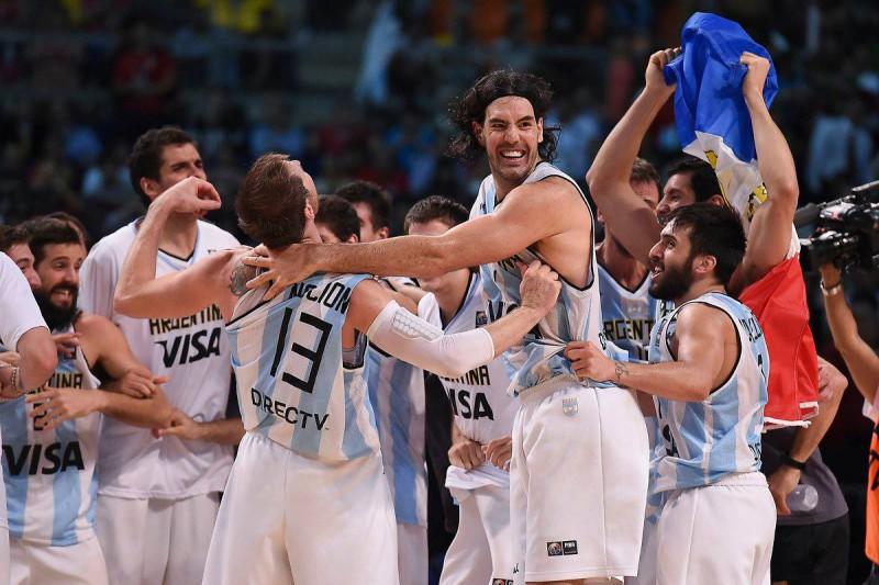Basket-Luis-Scola-FB.jpg