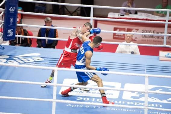 Boxe-Domenico-Valentino-Enrico-La-Cruz-FPI.jpg