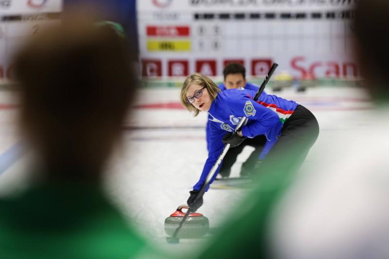 Curling-Lucrezia-Laurenti-WCF-2.jpg