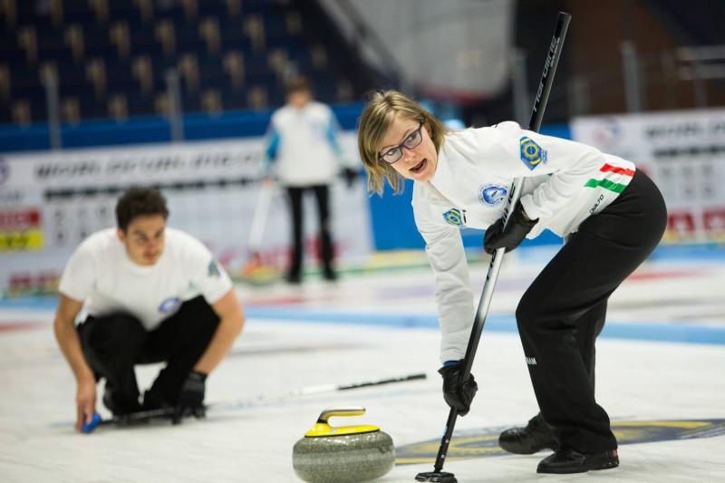 Curling-Lucrezia-Laurenti-WCF.jpg