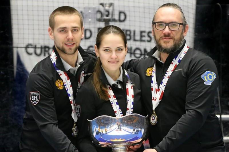 Curling-Russia-Alexander-Krushelnitskiy-Anastasia-Bryzgalova.jpg