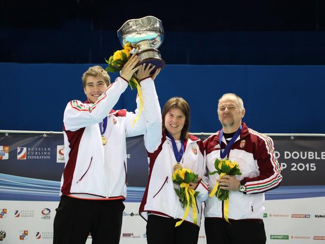 Curling-Ungheria-Dorottya-Palancsa-WCF.jpg