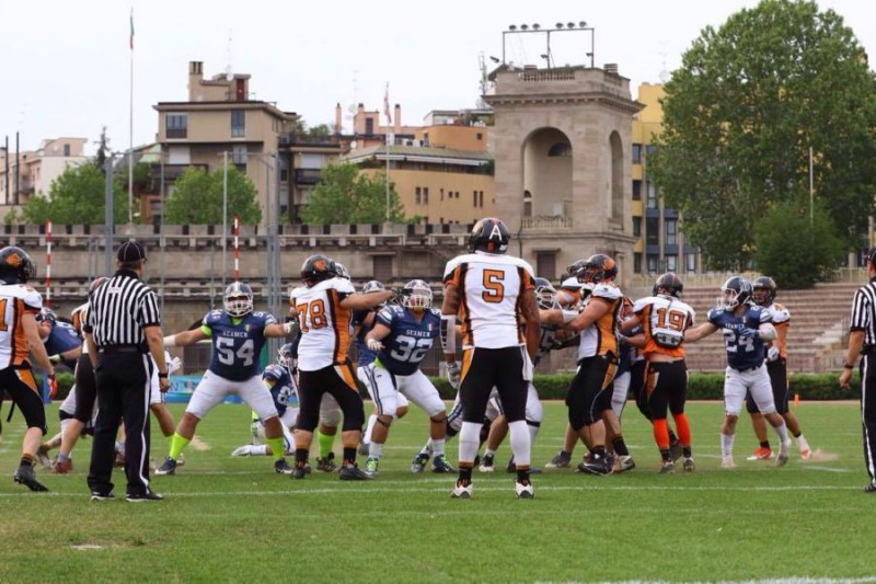 Rhinos-Football-Americano-Valerio-Origo4.jpg