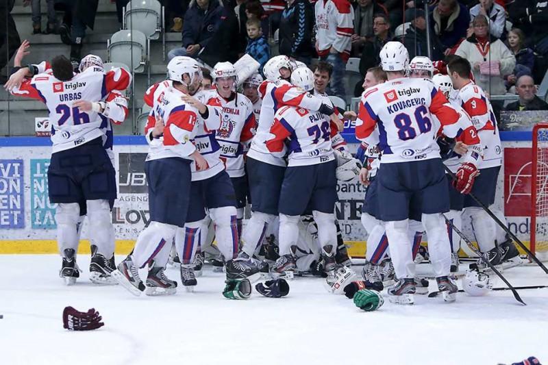 Slovenia-Hockey-ghiaccio-foto-fb-2013.jpg