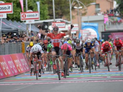 Giro d'Italia 2017, i velocisti: Fernando Gaviria sfida André Greipel. Giacomo Nizzolo per la Ciclamino
