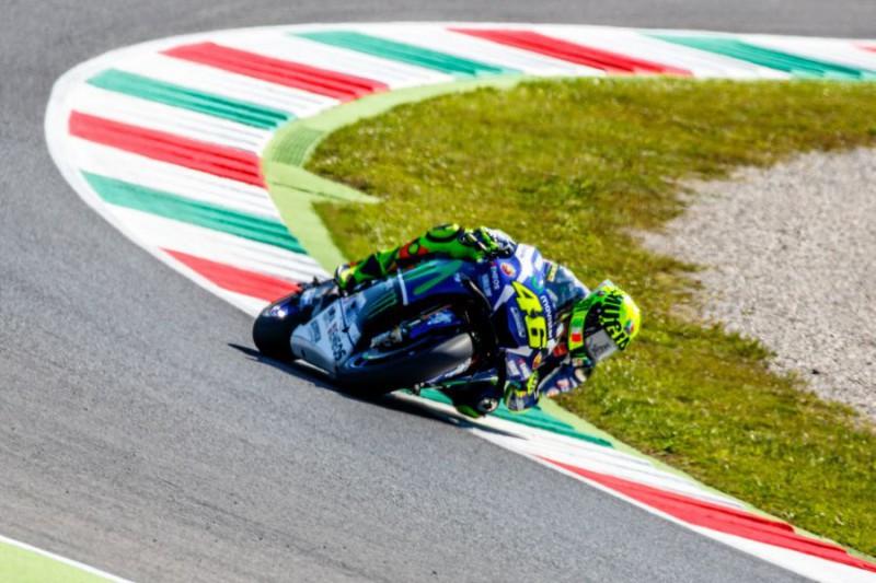 Valentino-Rossi-2-Marco-Fattori.jpg