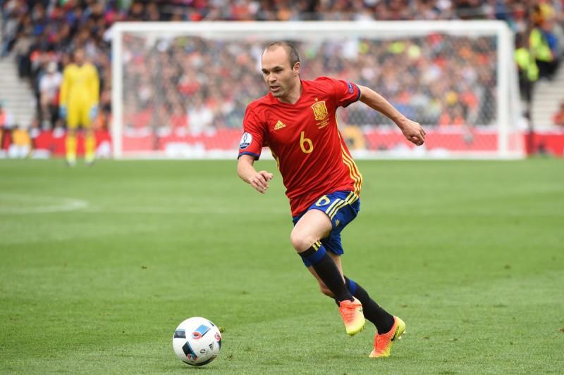 Andres-Iniesta-Spagna-calcio-foto-profilo-twitter-uefa-euro-2016.jpg