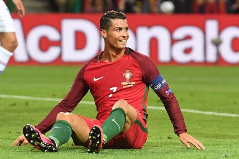 Cristiano-Ronaldo-Portogallo-calcio-foto-twitter-uefa-euro-2016-e1465935932502.jpg