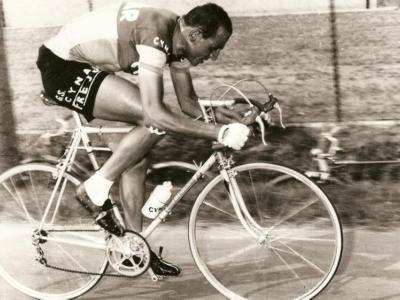 Giro d'Italia 1958: la maglia rosa del campione olimpico Ercole Baldini