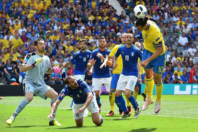 Italia-Svezia-Ibrahimovic-calcio-foto-twitter-uefa-euro-2016.jpg