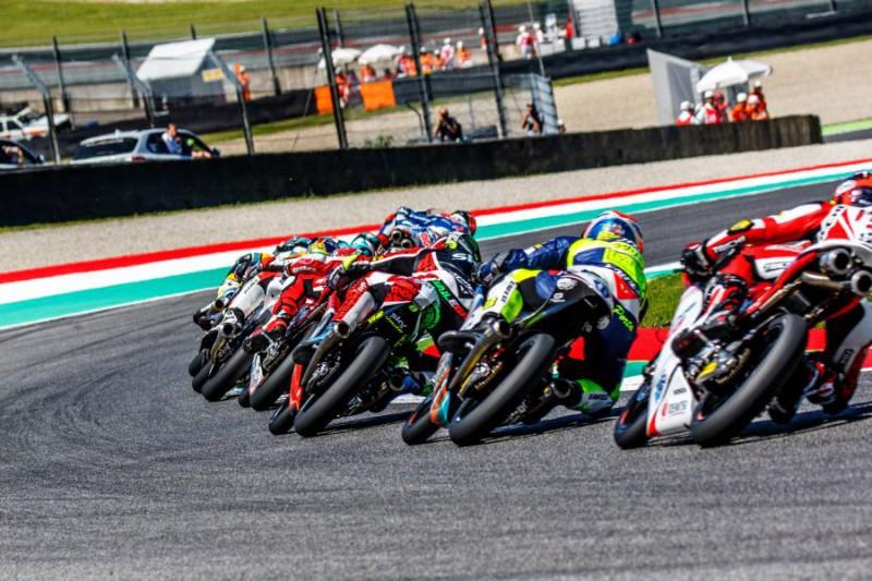 Moto3-generica-2-Marco-Fattori.jpg