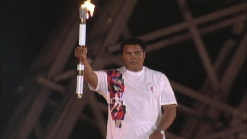 Muhammad-Alì-torcia-Atlanta-1996-Olimpiadi.jpg
