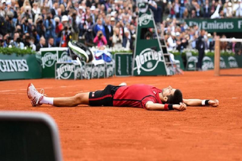 Novak-Djokovic_Roland-Garros-2016_twitter.jpg