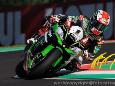 LIVE – Superbike, gara-1 Round Thailandia in DIRETTA: vince sempre Rea, davanti a Davies e Sykes che beffa Melandri!
