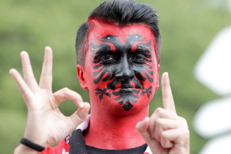 Tifoso-Albania-calcio-foto-twitter-uefa-euro-2016.jpg