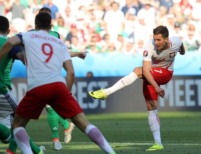 calcio-milik-lewandowski-polonia-twitter-uefa-euro-2016.jpg