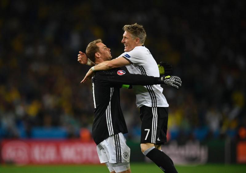 calcio-neuer-schweinsteiger-germania-twitter-uefa-euro-2016.jpg