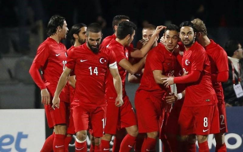 calcio-turchia-fb-arda-turan.jpg