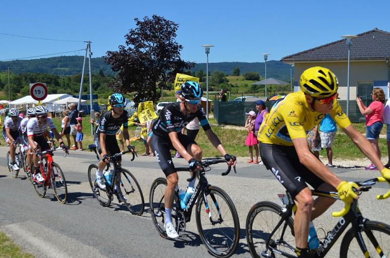 1024px-Tour_de_France_2016_étape_15_-_Champdor_1141.jpg