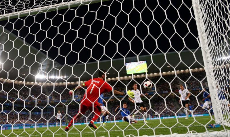Buffon-italia-gol-germania-calcio-foto-twitter-uefa-euro-2016-1.jpg