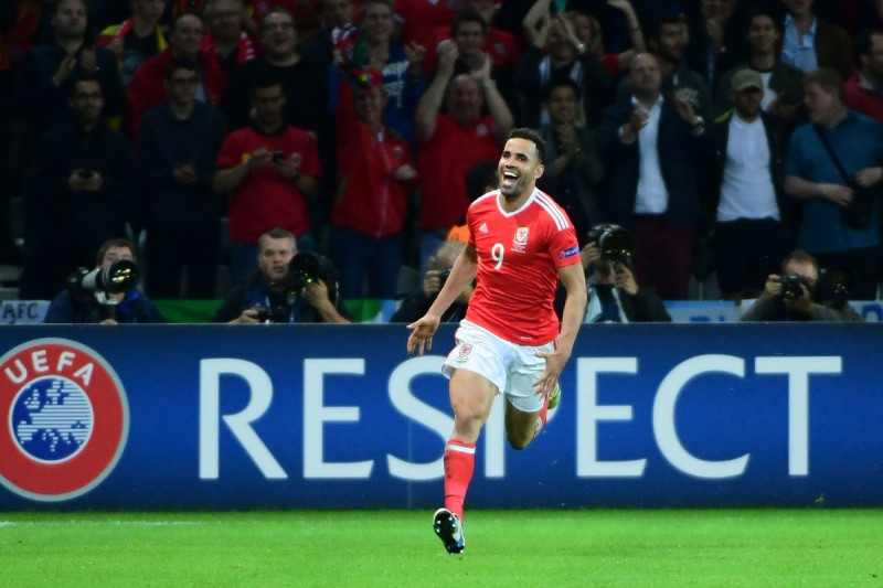 Calcio-Hal-Robson-Kanu-UEFA-Euro-2016-Twitter.jpg
