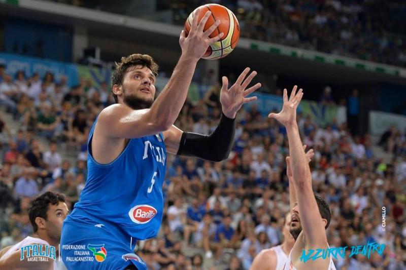 basket-alessandro-gentile-italia-tunisia-credit-ciamillo-archivio-fip.jpg