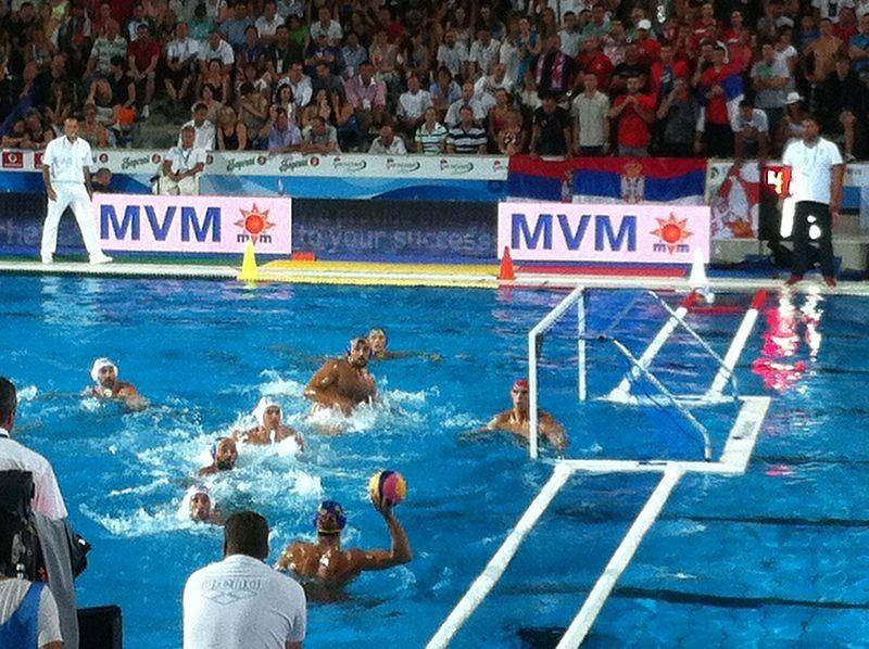800px-Vaterpolo_Serbia_vs_Montenegro_semifinal_game41.jpg