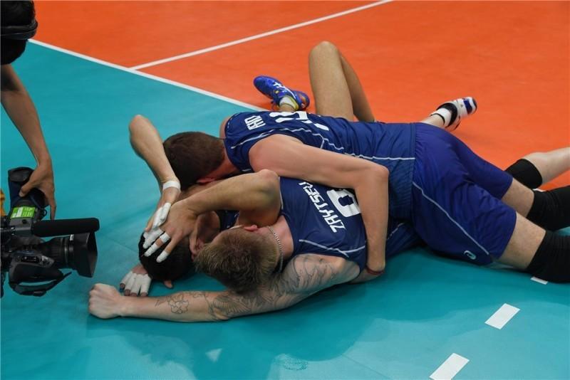 Esultanza-Buti-Zaytsev-Italia-volley.jpg