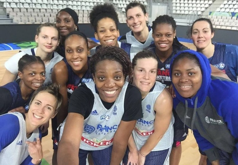 Francia-basket-femminile-FB-Céline-Dumerc.jpg