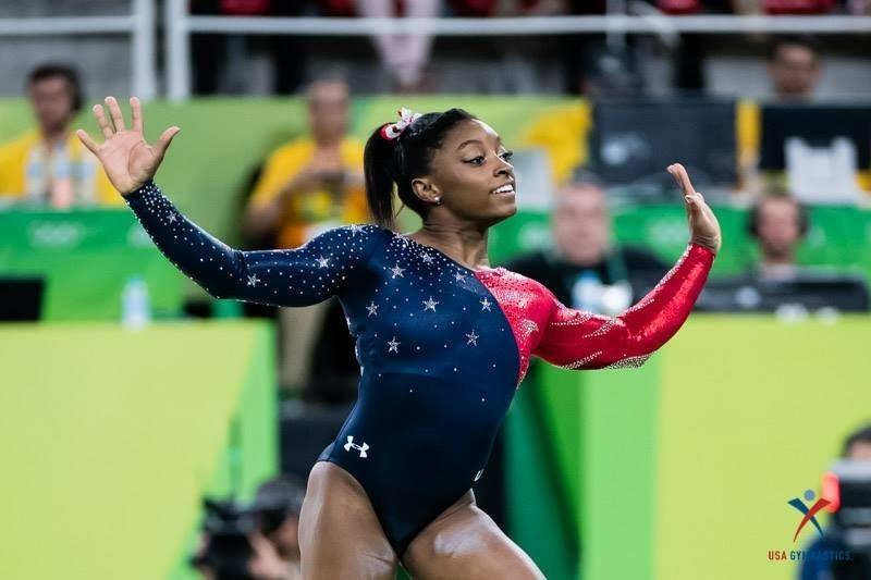 Simone-Biles-Rio-2016.jpg