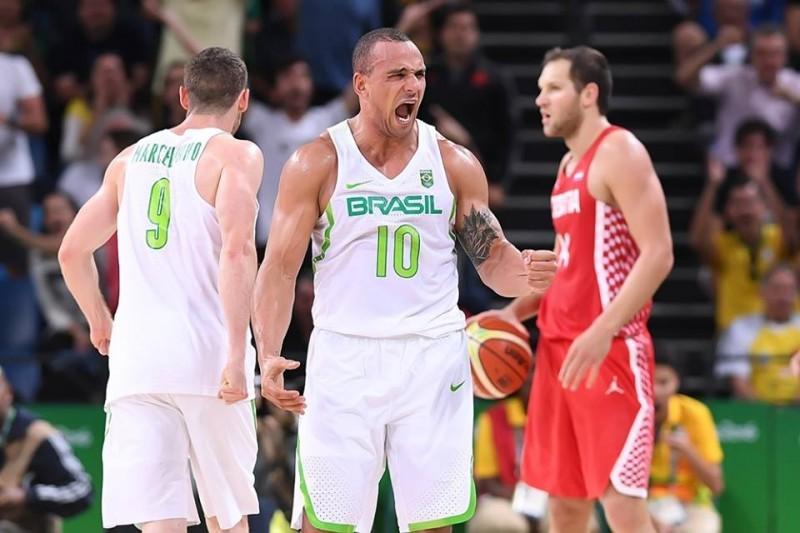 basket-brasile-fb-marcelinho-huertas.jpg