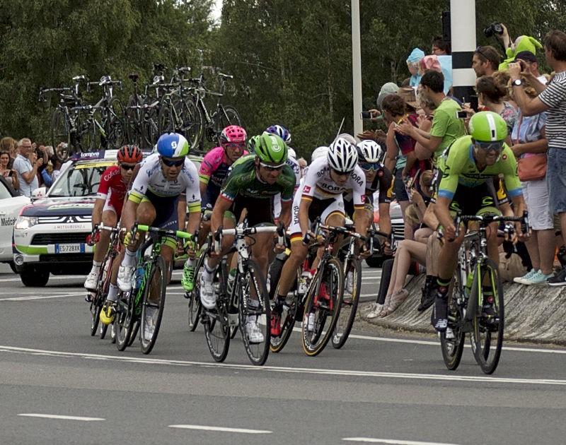800px-1-Cropped-Tour-de-France-2015-DSC_01921.jpg