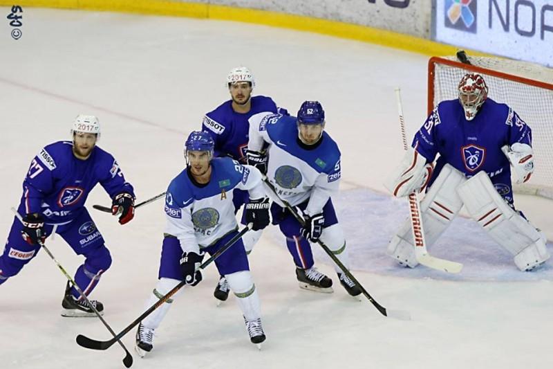Francia-Kazakistan-preolimpico-oslo-2016-hockey-su-ghiaccio-foto-Carola-Semino-per-OA-2.jpg