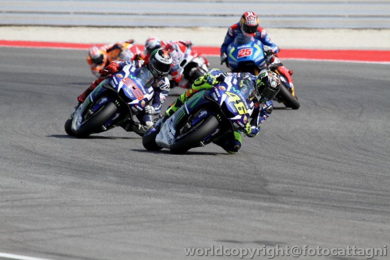 Rossi-e-Lorenzo-MotoGP-FotoCattagni.jpg