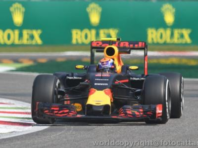 F1, l'ascesa dirompente di Max Verstappen. Tra genialate ed eccessi, se non ci fosse, bisognerebbe inventarlo…
