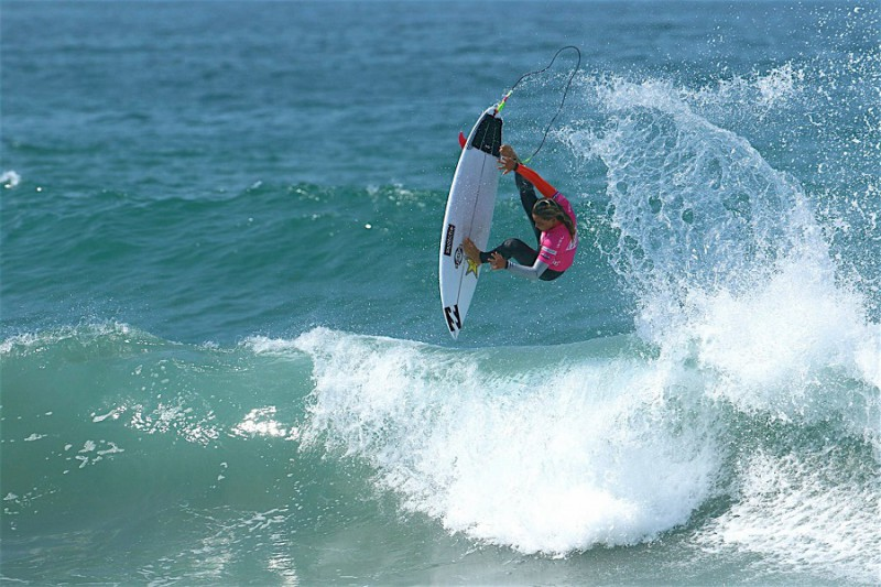 surf-Courtney-Conlogue-profilo-twitter-atleta.jpg