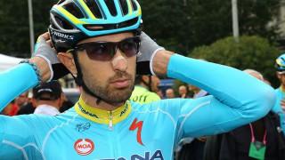 Giro d'Italia 2017: l'Astana rinuncia al sostituto di Scarponi, la squadra kazaka al via con 8 corridori