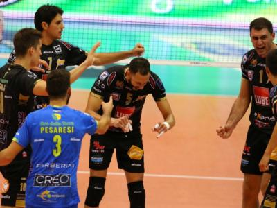 Volley, SuperLega – Quarta giornata: Civitanova al comando in attesa di Perugia, Modena tutto facile, 3 tie-break!