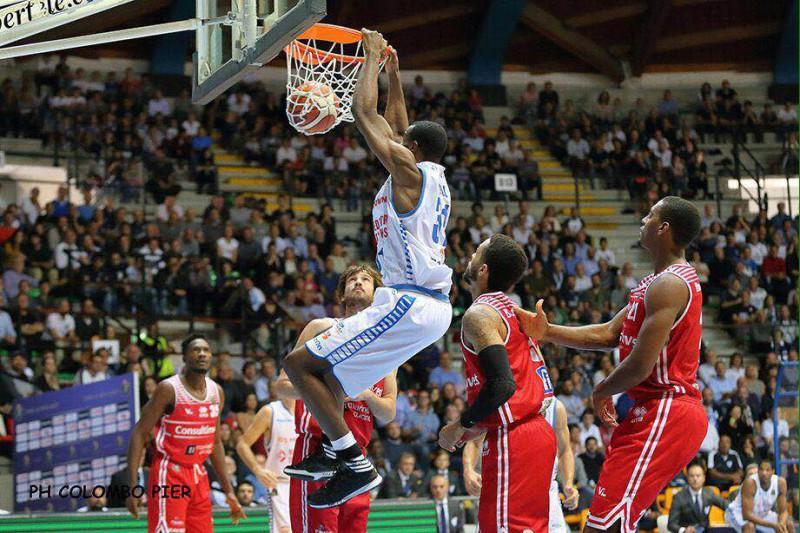 basket-cantù-pesaro-foto-pier-colombo.jpg