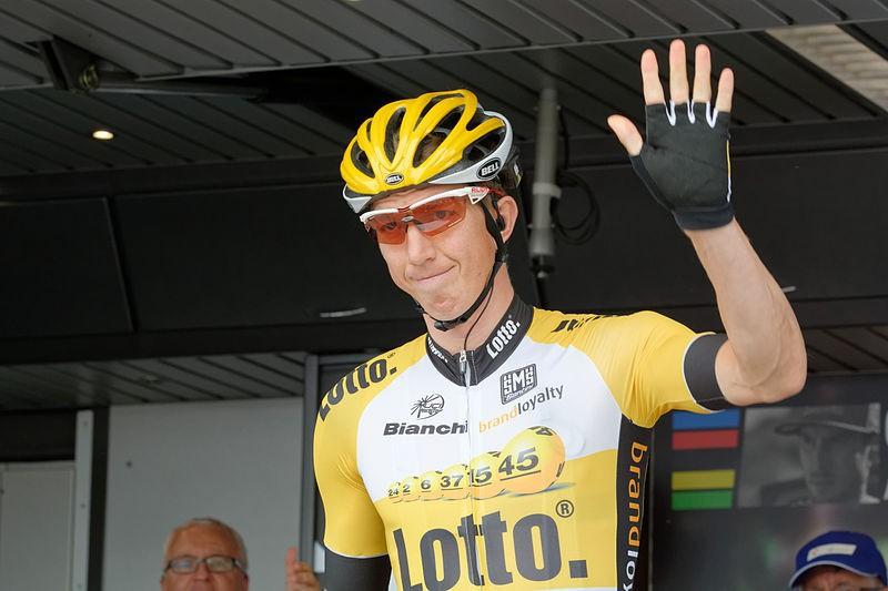 800px-Tour_de_Suisse_2015_Stage_2_Risch-Rotkreuz_189773306021.jpg