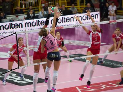 Volley femminile, Serie A1 – 16^ giornata: Busto Arsizio surclassa Bergamo nell'anticipo. Diouf-Martinez show, break 11-0 nel terzo set