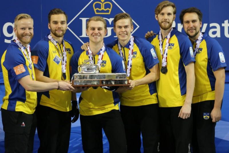 Curling-Svezia-Niklas-Edin-WCF-2.jpg