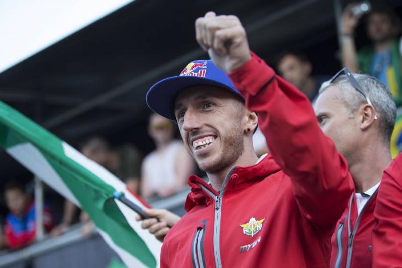 Tony-Cairoli2-KTM-images-Red-Bull-Content-Pool.jpg