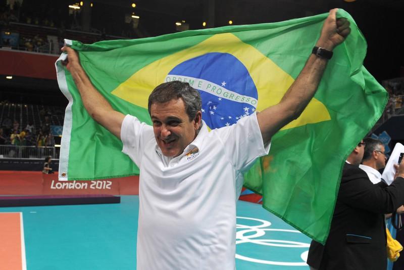 Zè-Roberto-volley.jpg